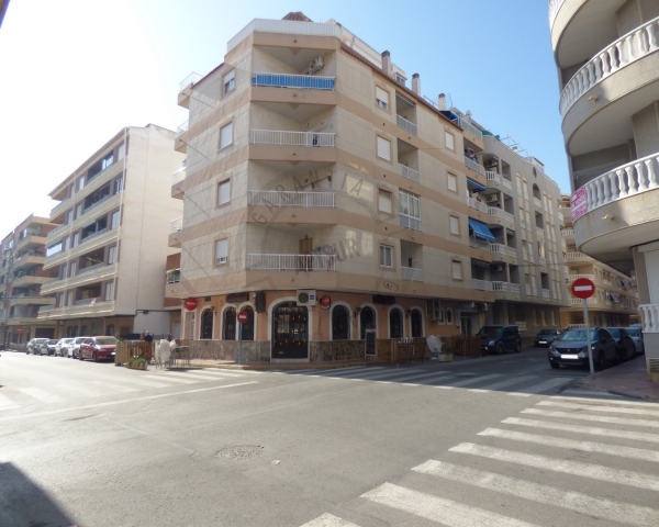 Apartment - Sale - Torrevieja - Acequión Beach