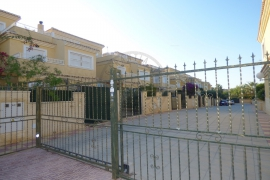 Sale - Townhouse - Torrevieja - Los Altos Urbanization